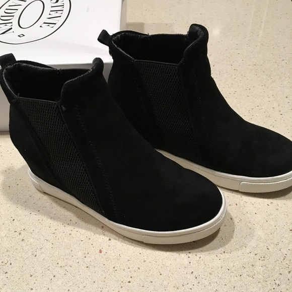 6c70531ab17 Steve Madden LEii High Top Wedge Sneaker - size 6